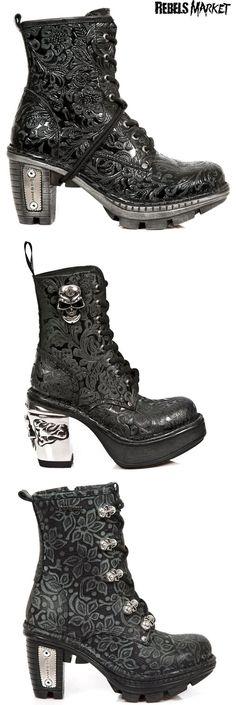 Shop skulls goth boots at RebelsMarket!