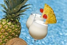 Ingredients: 1-1/2 oz. golden rum 1-1/2 oz. coconut cream 4 oz. pineapple juice About 1 cup ice cubes
