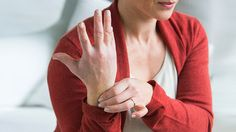 7 Natural Ways to Ease Carpal Tunnel Pain (Everyday Health)