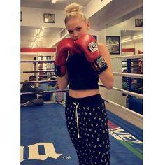 @jordynjones boxing training @tengooseboxing_gym  Snapchat: jordynjones11 #boxing #tengooseboxing Jordyn Jones @JordynOnline Photo #actress #model #modeling #singer #dancer #dancing #dance #hollywood #instagram #photography #jordyn #jones #jordynjones https://www.instagram.com/p/BDTgQnxwJIl/ www.jordynonline.com