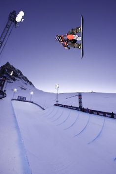 Snowboarding in #Whistler certainly would be amazing! #CDNGetaway