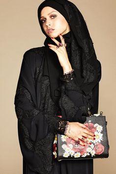 Dolce & Gabbana Abaya - Autumn/Winter 2016-17 Ready-To-Wear - NYFW (Vogue.co.uk)