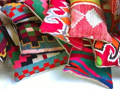 coussins en kilim vintage ROCK THE KASBAH