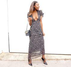 Streetstyle #fashion #streetstyle #fblogger #fashionblogger #maxi #deepplunge #style #fashion