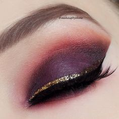 """""""Dramatic clubbing look!  ♠@sleekmakeup ultra mattes v2 palette ★@nyxcosmetics candy glitter liner ♥@houseoflashes iconic #makeup #eotd #party #glitter…"""""""