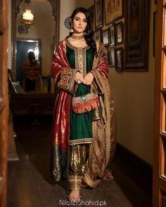 Shadi Dresses, Pakistani Formal Dresses, Pakistani Fashion Casual, Pakistani Wedding Dresses, Pakistani Dress Design, Pakistani Outfits, Indian Outfits, Pakistani Clothing, Wedding Hijab