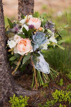 aspen, co wedding inspiration | mountain wedding | rustic bouquet | via: couture colorado