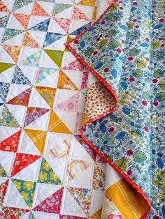 Hour Glass Quilt roasty-toasty-quilts