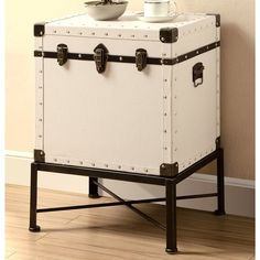 Perfect for any room around the house, this chest makes for a fabulous addition to any home.