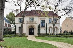 Traditional French-Mediterranean in Texas. Symmetry Architects.