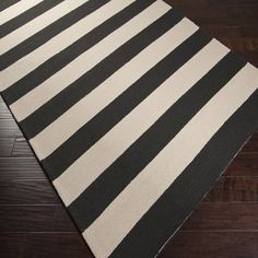 Striped outdoor rug - The floors are no longer just going on that goes under the furniture. Even a humble home floor design raises questions about Coastal Area Rugs, 8x10 Area Rugs, Rugs In Living Room, Living Room Designs, Home Floor Design, Black Rug, Black And White, Striped Rug, Indoor Outdoor Area Rugs