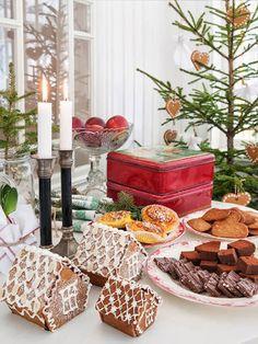 Av Anna Truelsen Foto Carina Olander     Nu har julnumren börjat att komma in i affären. Fina tidningar med bländade julighet...