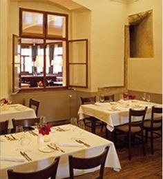 Pfarrwirt - Das älteste Restaurant Wiens Lokal, Vienna, Table Settings, Austria, Restaurants, Room, Inspiration, Furniture, Home Decor