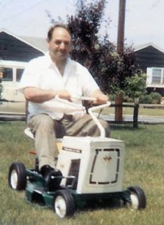 Lawn Mower Tractor, Pedal Cars, Bicycles, Tractors, Outdoor Power Equipment, Baby Strollers, Grass, Yard, Snow