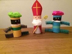 Sint en Piet (vouwen (muizentrappetjes), knippen, plakken)