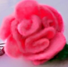 Brooch for dress or jacket or pin hair. Unique flowers felted for celebreison day. Ready to go Size cm + 2 leaf Romantic Flowers, Unique Flowers, Sugar Rose, Flower Delivery, Flower Brooch, Spring Flowers, Hair Pins, Confetti, Gifts For Women