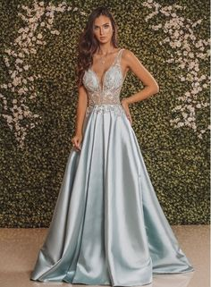 Fashion Tips Over 40 135 Long Royal Blue Dress To Look Adorable.Fashion Tips Over 40 135 Long Royal Blue Dress To Look Adorable Cute Prom Dresses, Prom Outfits, 15 Dresses, Couture Dresses, Pretty Dresses, Blue Dresses, Beautiful Dresses, Bridesmaid Dresses, Formal Evening Dresses