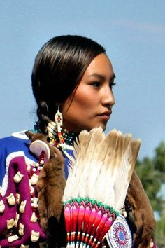 Apsáalooke woman, Lakisha Flores- Crow Nation Fair. by Morwen