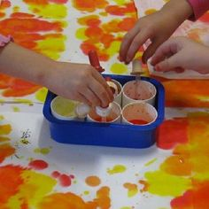 Eyedropper painting for pincer grasp. Food coloring works great. For mural, put…