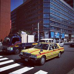 taxi building tokyo street truck statigram crossing