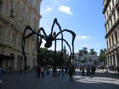 Louise Bourgeois, Edificio de Arte Universal Habana Vieja, La Habana, Cuba