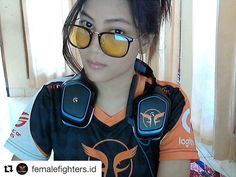 #Repost @femalefighters.id with @repostapp  Bersiap buat main match selanjutnya  Siapa takut ..   Practice & Play Overwatch  Headset Logitech G430  Kacamata gaming kece by @drumanoptic   #overwatch #ffoverwatchdivision #nauraff #femalegamers #femalefigter #drumanoptic  Add juga sosial media kita yang lain gaes   YouTube : @femalefighters.id Line Official : @femalefighters.id IG store : @ff.gamingproduct  Fanpage : @femalefighters.id IG Official : @femalefighters.id