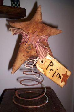 star make-do . star make-do Mais Crafts Primitive Kunst, Primitive Stars, Primitive Antiques, Primitive Crafts, Country Primitive, Primitive Furniture, Wire Crafts, Decor Crafts, Crafts To Make