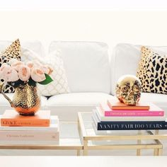 love the gold skull accent!