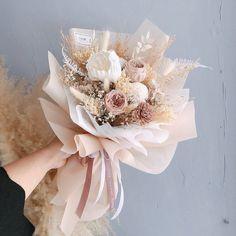 Boquette Flowers, Beautiful Bouquet Of Flowers, Luxury Flowers, Flower Boxes, My Flower, Dried Flowers, Planting Flowers, Beautiful Flowers, Bouquet Wrap