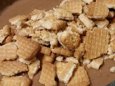 Γλυκό ψυγείου με μπισκότα και τριμμένη σοκολάτα της Gretel φωτογραφία βήματος 4 Snack Recipes, Snacks, Greek Recipes, Deserts, Chips, Bread, Cooking, Breakfast, Food