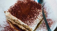 Tiramisu recette originaleRetrouver la recette du tiramisu recette originale Tiramisu Recipe Nigella, Batch Cooking, Flan, Food Network Recipes, Nutella, Oreo, Deserts, Good Food, Food And Drink