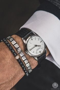 Jaeger-LeCoultre Geophysic 1958.Read the full article onWatchAnish.com.