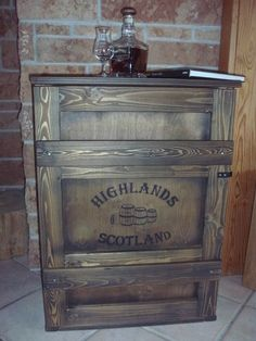 Shabby Frachtkiste Bar Truhe Vintage Couchtisch Whiskey Whisky Malt Tasting