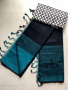 Pure mangalgiri handloom cotton saree comes with running blouse as well extras blouse as shown in the pic Cotton Sarees Handloom, Silk Sarees, Jamdani Saree, Ethnic Sarees, Indian Sarees, Cotton Saree Blouse Designs, Sari Dress, Sari Blouse, Stylish Sarees