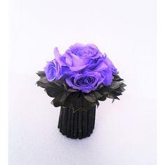 kytička z fialových balzamovaných  ruží 12,5 x 14 cm