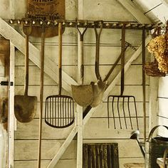 49 Clever Garden Shed Storage Ideas – # Clever # Garden # Lagring Old Garden Tools, Farm Tools, Old Tools, Gardening Tools, Organic Gardening, Gardening Magazines, Gardening Vegetables, Smart Garden, Diy Garden