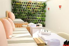 Spa, vertical herb wall in the area where manicures and pedicures are done Spa Interior Design, Spa Design, Salon Design, Nail Salon And Spa, Nail Spa, Salons Cottage, Pedicure Station, Spa Treatment Room, Herb Wall