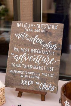 Wedding Favor Table, Creative Wedding Favors, Inexpensive Wedding Favors, Personalized Wedding Favors, Wedding Favors For Guests, Wedding Book, Wedding Souvenir, Dream Wedding, Wedding Gifts