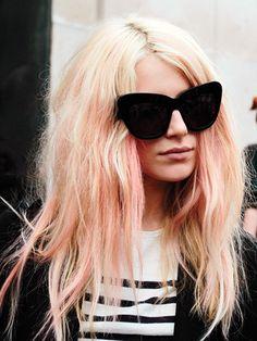 Dree Hemingway with pastel pink hair