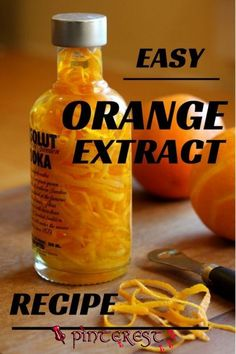 Quick and easy homemade Orange or lemon extract makes a great gift for the cook or bartender in your life. Homemade Spices, Homemade Seasonings, Homemade Liquor, Homemade Liqueur Recipes, Homemade Dry Mixes, Homemade Food Gifts, Diy Food Gifts, Vanilla Recipes, Orange Extract Recipes