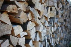 Brennholz Kaminholz Feuerholz in top Qualität