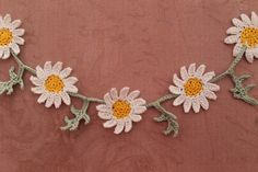 Daisy crochet lace decoration