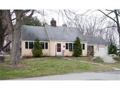 16 Ardley Road,  Winchester - A lovely Cape on large lot in a picturesque neighborhood!