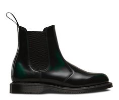 Own a pair of boots as individual as you are – these Flora boots have been updated this season in a brand new finish that updates itself as often as you wear them. Green Arcadia leather is a high-shine two-tone rub-off leather which has a dark top coat and a rich green under layer that develops with every scuff and tumble. Our signature air cushioned sole and pull-on tab mean these are boots you'll want to have for a lifetime.