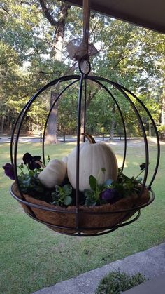 fall decor ideas for the porch outdoor spaces Best farmhouse porch landscaping outdoor spaces ideas Fall Hanging Baskets, Hanging Flower Pots, Hanging Planters Outdoor, Hanging Plants, Pumpkin Planter, Pumpkin Garden, Deco Champetre, Fall Containers, Succulent Containers
