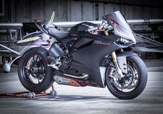 Ducati 1199 Panigale - Motocycle Pictures and Wallpapers Ducati Motorcycles, Cars And Motorcycles, Ducati 1199 Panigale, Bike Brands, Speed Bike, Shops, Sportbikes, Hot Bikes, Street Bikes