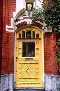 Amsterdam, Netherlands Grand Entrance, Entrance Doors, Doorway, Front Doors, Cool Doors, Unique Doors, Portal, Knobs And Knockers, Door Knobs