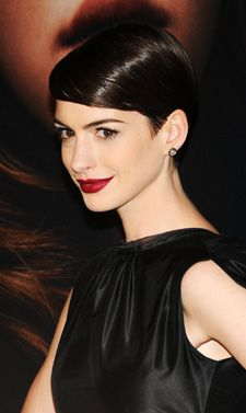 Anne Hathaway Polished Crop #hairstyles, #haircuts, #fashion, #women, https://facebook.com/apps/application.php?id=106186096099420