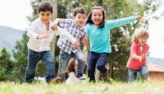 No destruyas el entorno natural donde tus hijos se divierten en eterna sintonía con la madre naturaleza. Hazlo por ellos, te lo agradeceran.