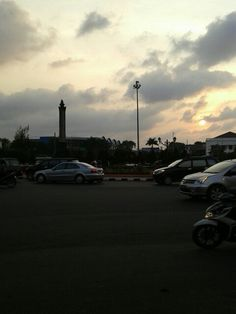 Sunset tugu muda, Semarang
